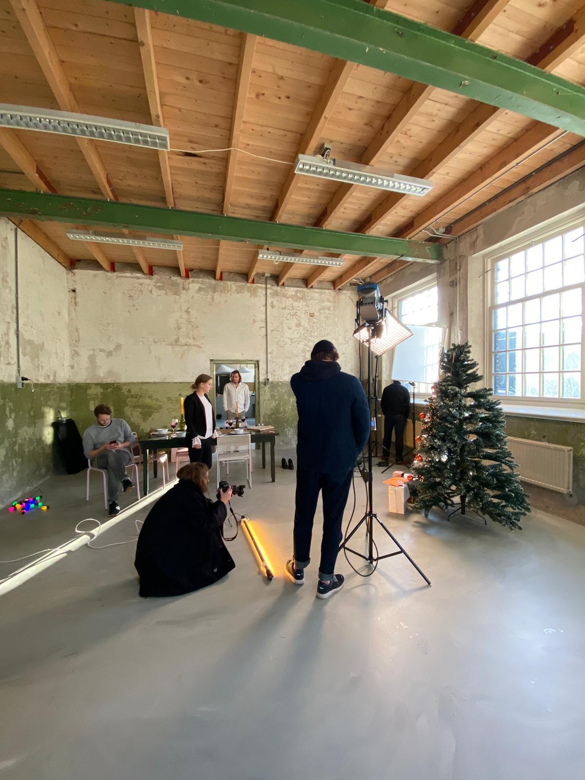 Kerstmissie Simyo Behind The Scenes